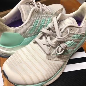 Adidas solar boost women's shoes size 8.5
